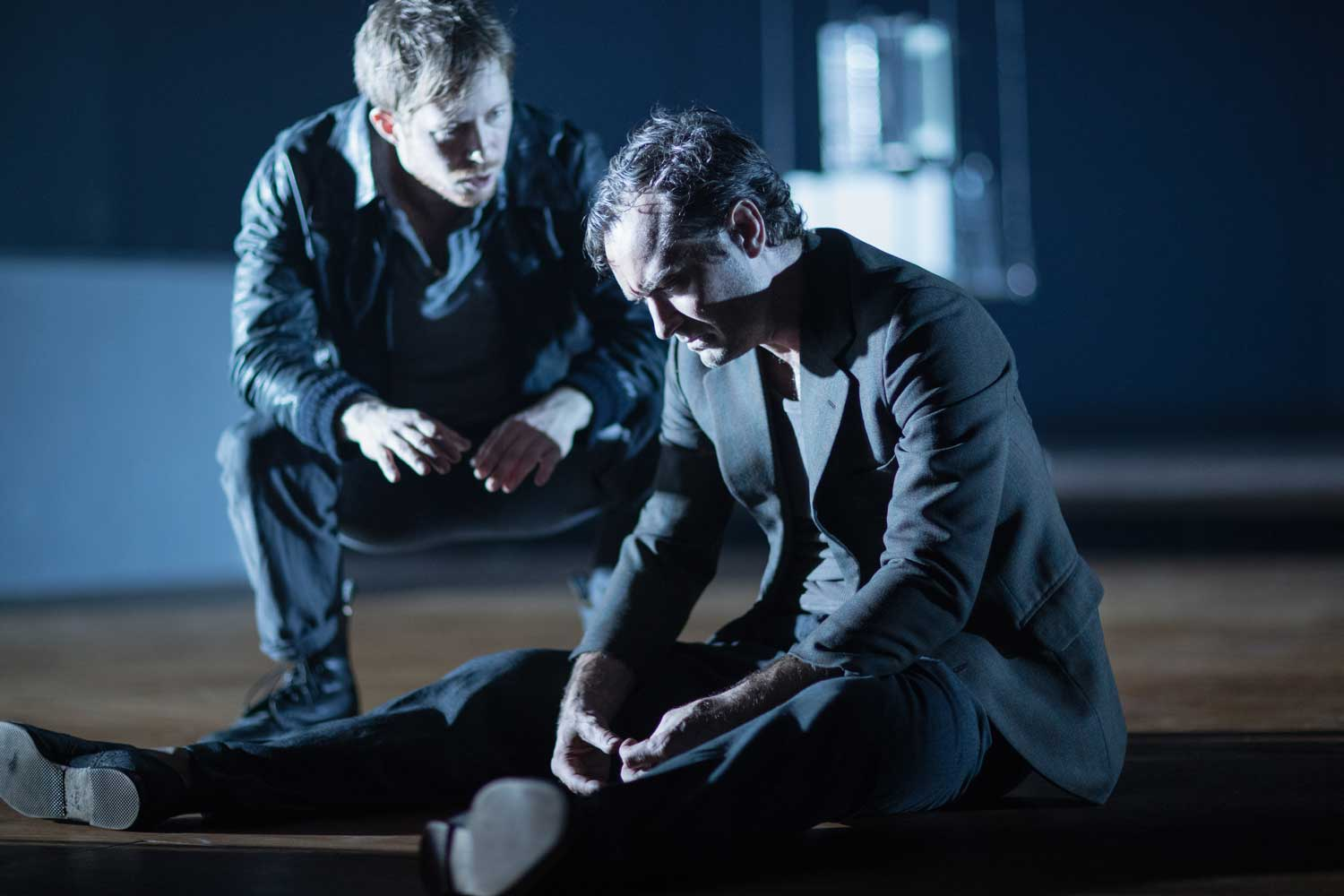 Robert de Hoog and Jude Law in Obsession at the Barbican Theatre. Photo by Jan Versweyveld.