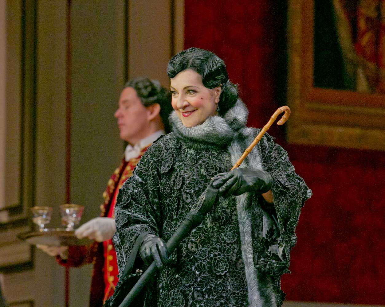 Helene Schneiderman as Annina in Strauss's Der Rosenkavalier. Photo by Ken Howard/Metropolitan Opera.