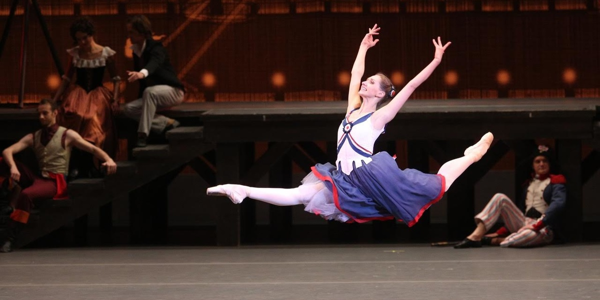 "Ballet at the Movies: Catch Bolshoi Up-and-Comer Margarita Shrainer in ""The Flames of Paris"" This Weekend"