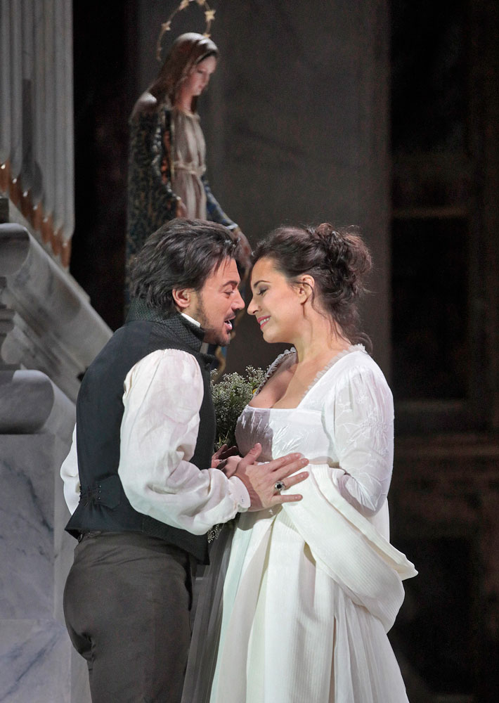 Vittorio Grigolo as Cavaradossi and Sonya Yoncheva as Tosca. Photo: Ken Howard/Metropolitan Opera.
