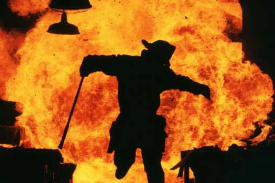 'Backdraft': After 30 years, a Chicago firefighting movie that still crackles - Chicago Sun-Times