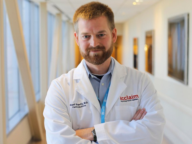 Kent Brantly Ebola Survivor Returns to Practicing Medicine