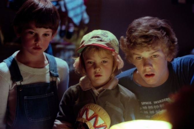 E.T. THE EXTRA-TERRESTRIAL'S ROBERT MACNAUGHTON ON DELETED SCENES, TEASING DREW BARRYMORE, AND SO MUCH MORE