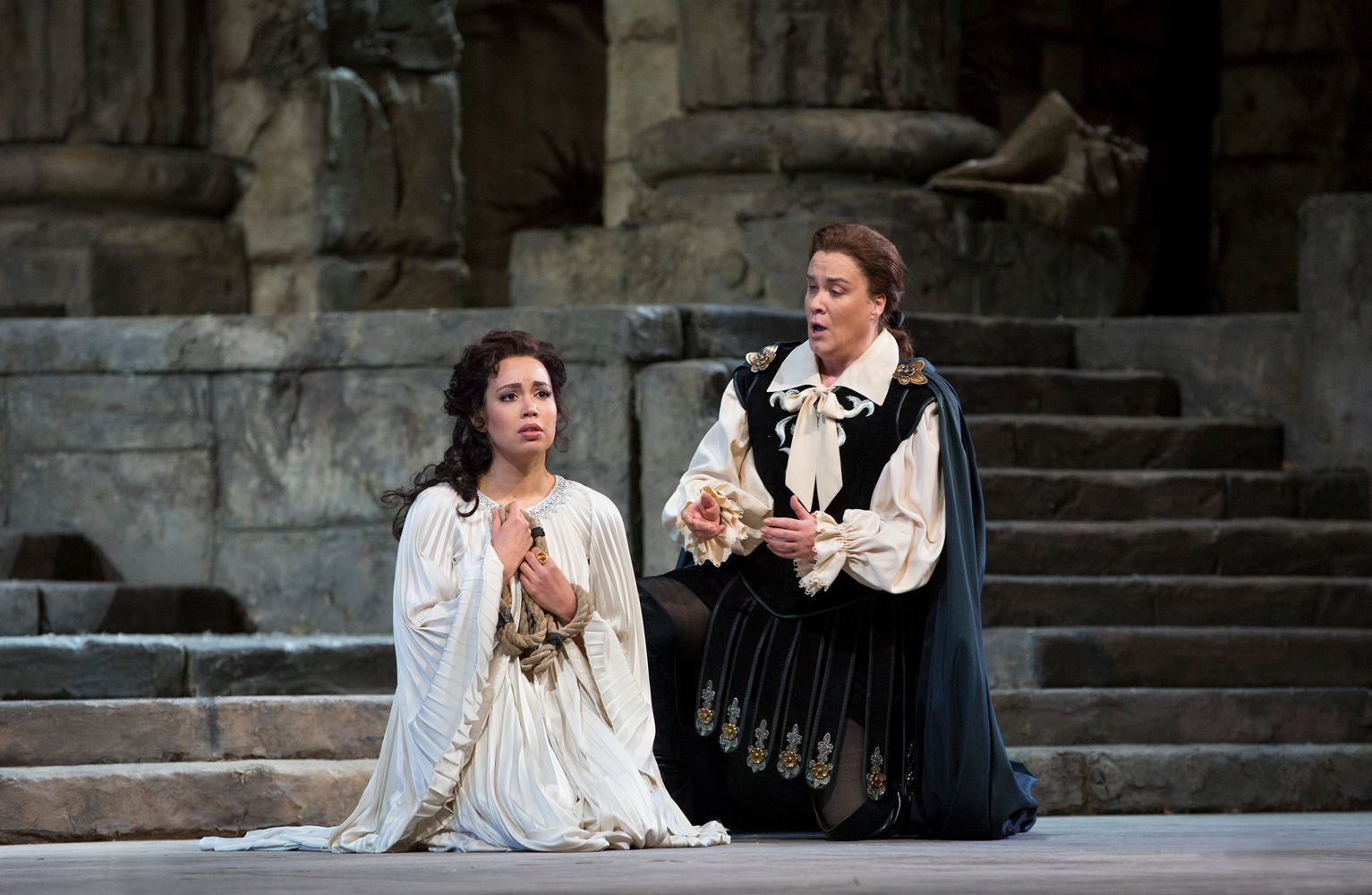 Nadine Sierra as Ilia and Alice Coote as Idamante in Mozart's Idomeneo.