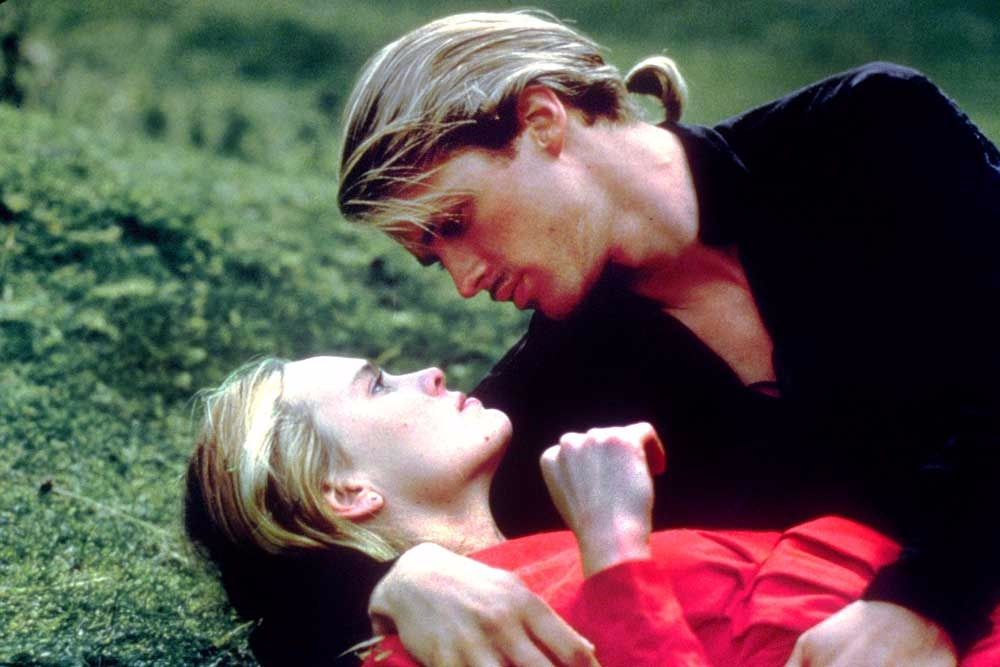 Cary Elwes talks sword fights, André the Giant, and The Princess Bride