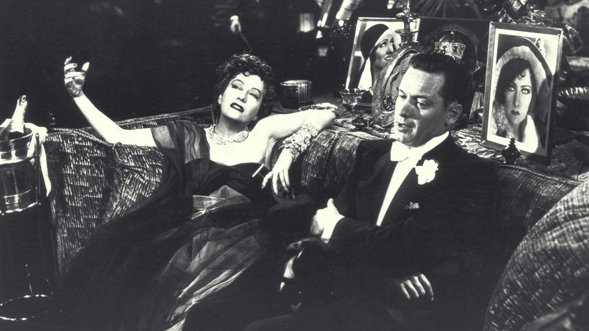 'Sunset Boulevard' still glimmers on the big screen  Kenneth Turan